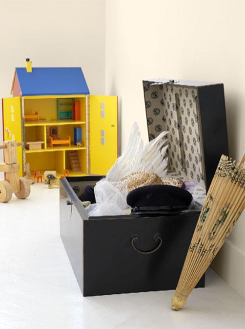 repeindre l ext rieur d un coffre en m tal peintures julien. Black Bedroom Furniture Sets. Home Design Ideas